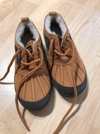 New Ugg Shoes size -11 little kid Arlington, 22243