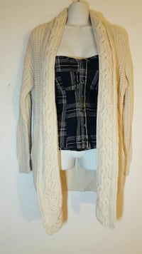 X- Small oversized knitted Sweater  Alexandria, 22310
