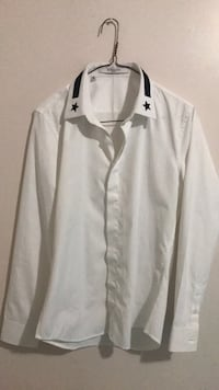 Givenchy brand new shirt .. Size 38/14.5.. open for reasonable offers Abbotsford, V2T
