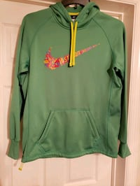 ladies meduim Therma fit Nike hoodie no wear