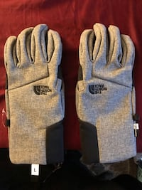 Trek confidently at  without worrying about losing a finger or two with these windproof, water-repelling and lightly insulated soft shell gloves. Made with touchscreen-compatible material, you won't have to take them off to use your phone retail is 55 ask 1408 mi