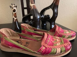 sandal for women made in mexico, new, size 8 very comfortable only pick up decatur and Sahara