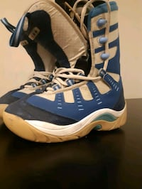 Snowboarding shoes size 8 us Mississauga, L4W 3T3