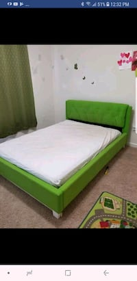 Full size kids bed with matress and base board Ashburn, 20148