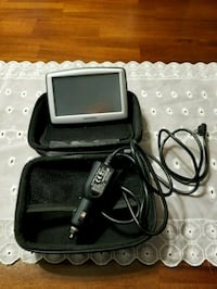 GPS system with cover case. Used only once. Burien, 98166