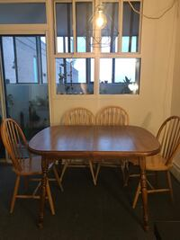 Solid wood table Toronto, M6P 3L6
