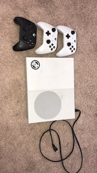 White xbox one console with two controllers Springfield, 97405
