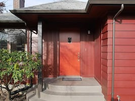 HOUSE For rent 2BR 1BA @ 10246 63rd Ave S, Seattle, WA 98178