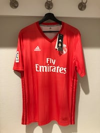 Used Real Madrid third kit soccer jersey 2018-19 for sale in Frisco - letgo e29ff63bc