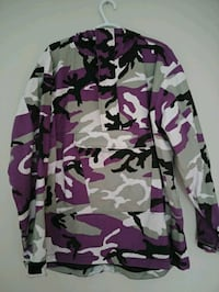 Rothco camo jacket North Saanich, V8L 5R8