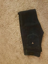 Womans guess Jean's size 26 Windsor, N9B 1Z1