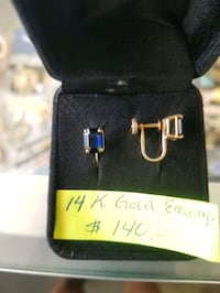 14K gold earings w blue stones. This are unpierced earings