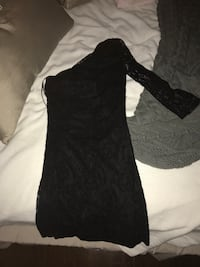 Black one sleeve lace dress size xsmall from express Wayne, 07470