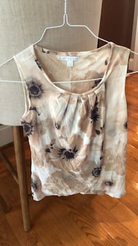 sleeveless top/tank  Alexandria, 22314
