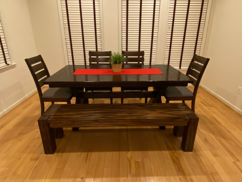 (OBO) Pottery Barn Dining Table +4 chairs +bench-(All) real solid wood 143b1f7e-ba58-4235-993e-48b55bcd875b
