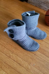 Grey wool Uggs size 8 Vancouver