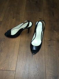 Pair of high heel black Valley size 7.5 760 mi