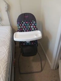 baby's gray and white high chair Sharpsburg, 21782