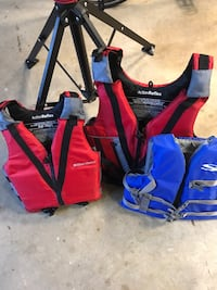 floatation vests 1 adult 2 child like new Fairfax Station, 22039