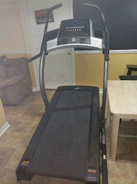 Norditrack treadmill great condition Saint Charles