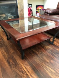 Coffee table with 2 end tables Langley, V2Y 0C2