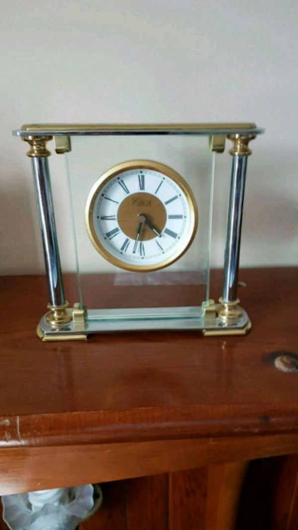 !! SPRING BREAK SPECIAL!! VINTAGE CLOCKS GREAT ADDITIONS TO YOUR HOME  eea3dc18-7d69-44eb-8fe7-e7f56d1b8332
