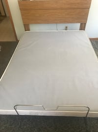 Serta queen adjustable mattress LIKE NEW with remote. Paid $2800.00 Blasdell, 14219