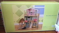 Brand new doll house 911 mi