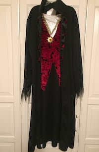 Boys Dracula Costume for Halloween  (size M) excellent condition Richmond Hill, L4C 9S5