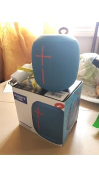 blue and black Bose portable speaker St Catharines, L2P 2B3