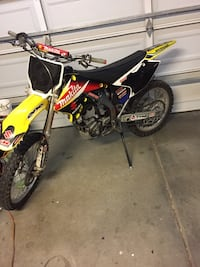 2006 Rmz 250 dirt bike Castaic, 91384