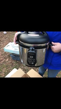 Brand New Pressure cooker Baltimore, 21219