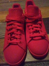 Brandnew pair of red addidas shoes Surrey, V3Z