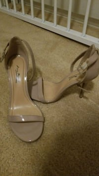 pair of gray leather open-toe heeled sandals 2269 mi