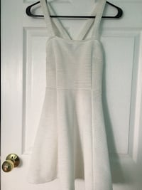 Dress white  Mississauga, L4Y 2P5