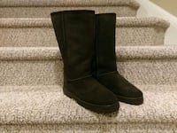 NEW 8 SHEEPSKIN BOOTS Women's        (Retail $179) Woodbridge, 22193