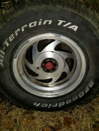 Toyota pickup rims and tires 6 lug 31x10.50 Winchester, 22601