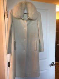 Cream coat with faux fur collar Bethesda
