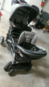 black and gray double stroler ..baby trend  Jacksonville, 32211