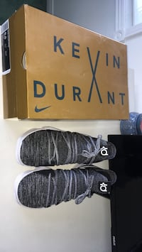 Kevin Durant 10's Size 8.5 Whitby, L1M 2L1