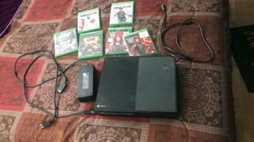 Xbox One /w games ( See description for mre info)