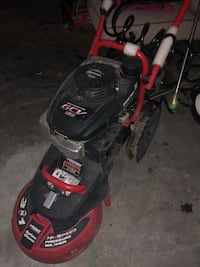 Husky 2600 powerwasher, and a floor saucer .in excellent condition Taylor, 48180