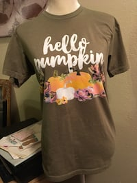 "Women's small ""hello pumpkin"" shirt Abilene, 79605"
