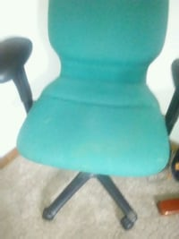 teal and black rolling armchair Richmond, 23235