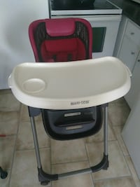 baby's white and black high chair Montréal, H8P 1W8
