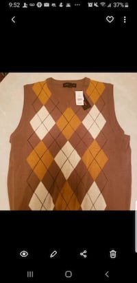 Men's Sweater Vests Size  large and XL $5 each or 3 for 10. Detroit, 48204