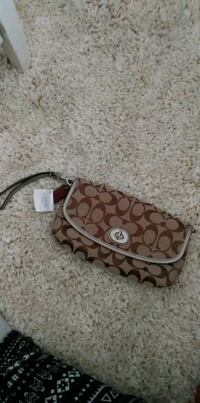 Authentic Coach wallet Brampton, L6X 1M6