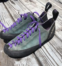 Womens 7.5 rock climbing shoes