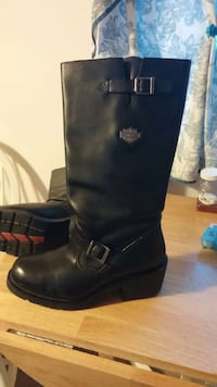 Ladies HD riding boots size 11.  Grinnell, 50112