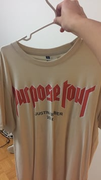 brown and red Justin Bieber Purpose Tour printed crew-neck t-shirt